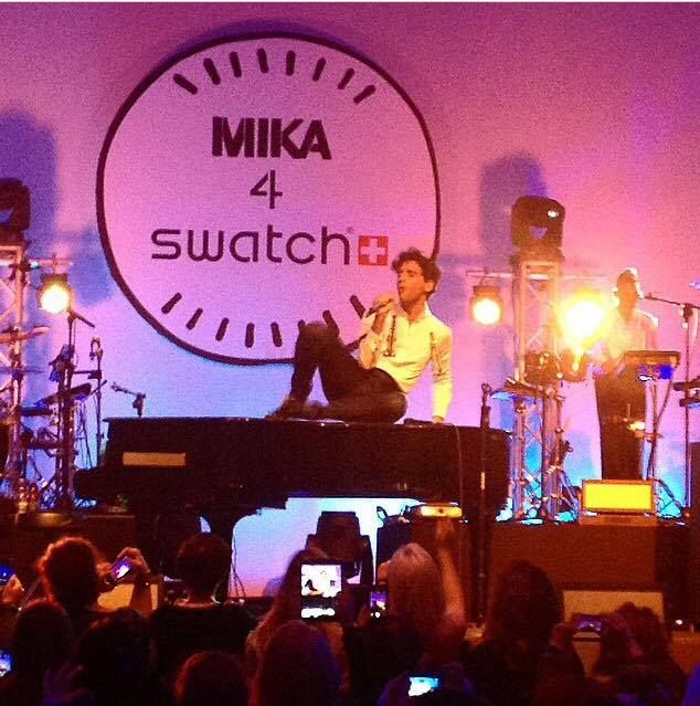 Mika @ the swatch store opening in Milan, Nov 25 2014