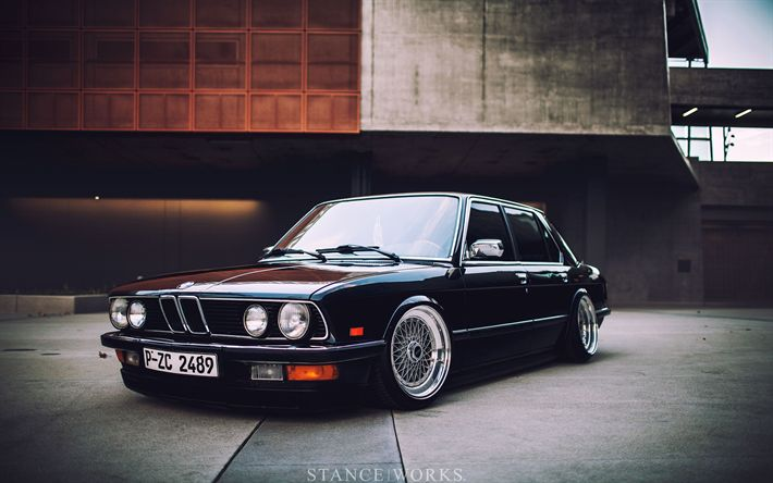 Download Wallpaper bmw e28, 4k, attitude, black e28, german cars, tuning, e28, bmw