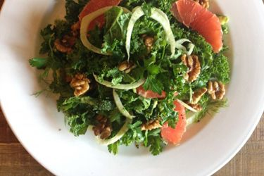 Kale and avocado salad with grapefruit, fennel and walnuts