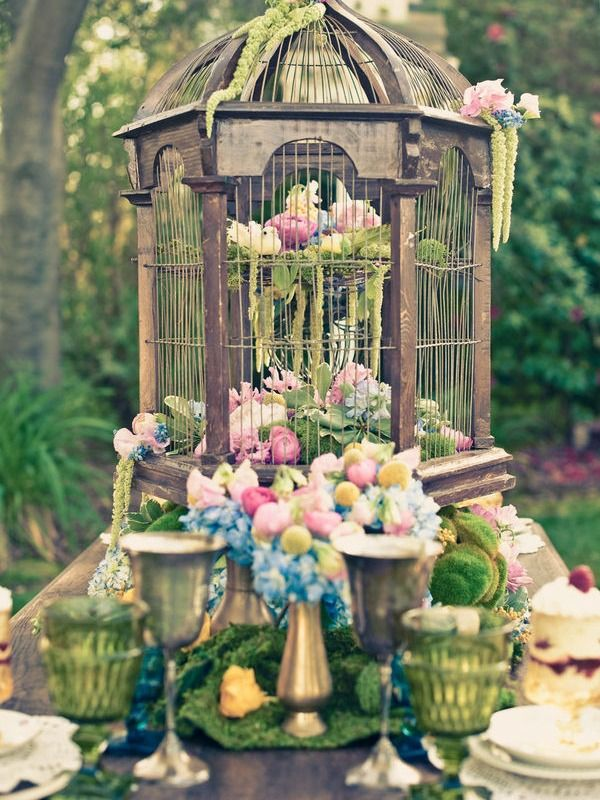 Bird cage center piece, nice setting for Spring
