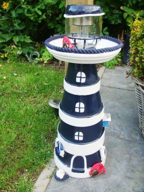 Zelf een vuurtoren maken van bloempotjes | Hobby