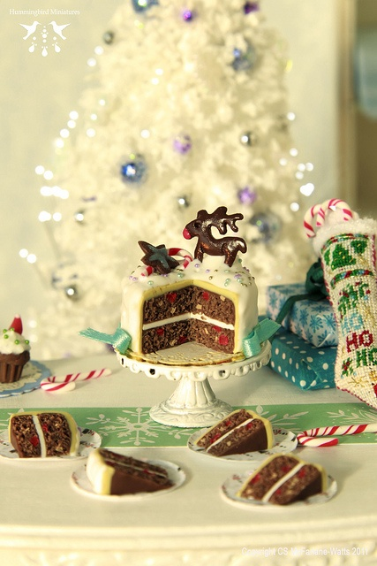 Rudolph Christmas Cake and Slices - 1/12 scale dollhouse miniature, via Flickr.
