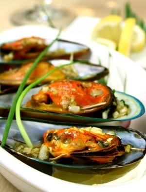 85 best maori and polynesian food images on pinterest recipes maori food mussels cooked in the boiling hot pools at rotouras te puia maori arts forumfinder Image collections