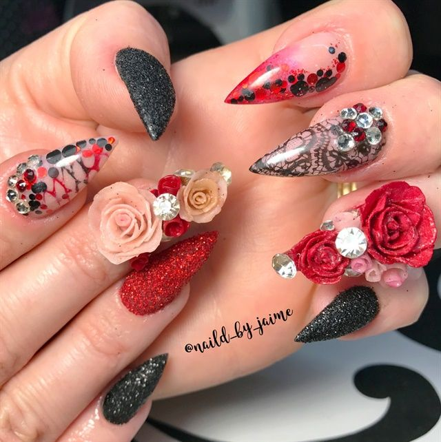 425 best valentines day nail art images on pinterest nail polish day 43 roses are red nail art prinsesfo Gallery