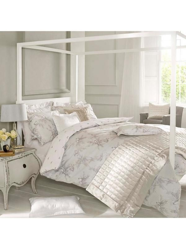 Holly Willoughby Fauna Bedding Range Personally designed by Holly Willoughby, the Fauna bedding collection reflects the peaceful side of her personality, with soft, sumptuous colour schemes and delicate prints.
