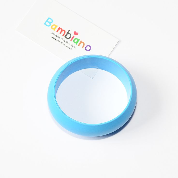 Bambiano Hoola Bangle in Deep Sea Blue. Bambiano Bangles are made of 100% Food grade silicone. BPA free, Lead free and nontoxic. Fashionable for Mums and safe for teething babies to chew on. Bracelets are washable and soft on baby's gums. Shop at www.bambiano.com