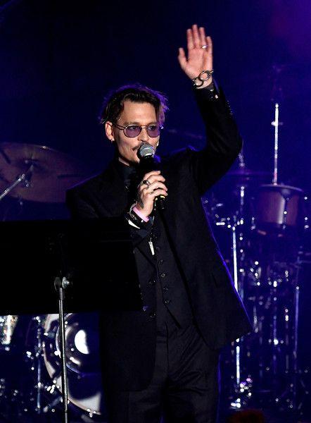 Johnny Depp Photos Photos - Johnny Depp accepts The Rhonda's Kiss Healing And Hope Award onstage during the 2016 Rhonda's Kiss Concert at El Rey Theatre on November 3, 2016 in Los Angeles, California. - 2016 Rhonda's Kiss - Arrivals