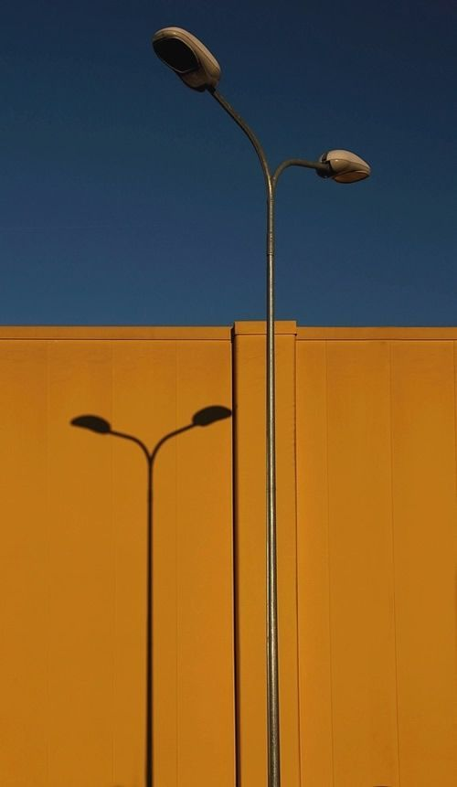 UNIQUE & ABSTRACT STREET PHOTOGRAPHY BY AN ITALIAN…