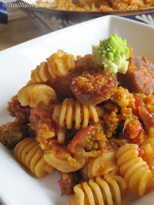 Pasta Piccante con Broccolo Romano, Salsiccia Secca e Pancetta