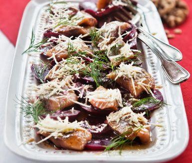 Recept: Matjessill med rödbetor, brynt smör och pepparrot