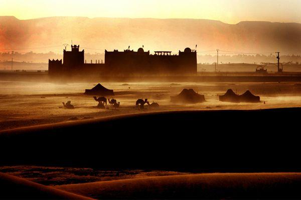 Un posto al sole  Fotografia di Joseph Koprek / My Shot  Il sole tramonta su un mercato di Marrakesh. La città, dopo Casablanca, è considerato il maggior centro commerciale del Paese.