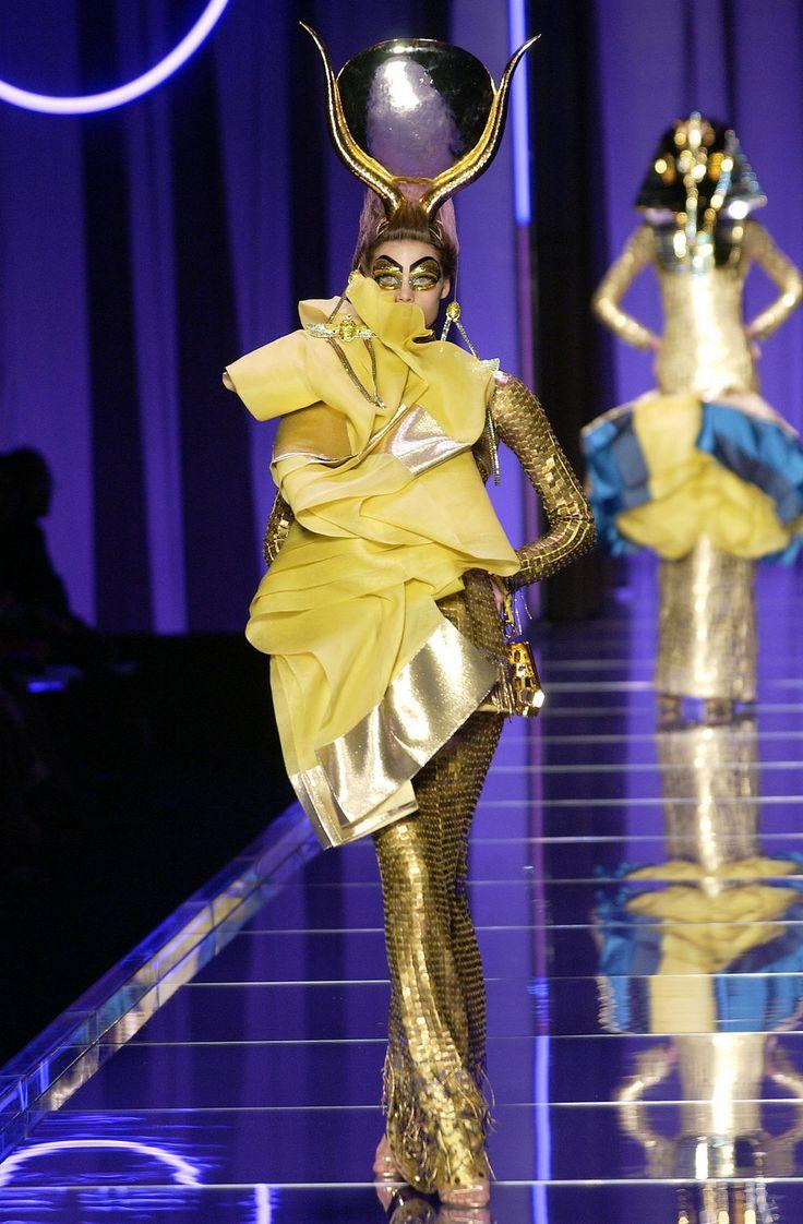 2004 Haute Couture Fashion Show Christian Dior Paris John Galliano Egipto Pinterest