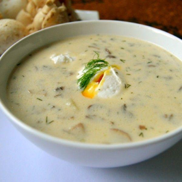 Dnes se naučíme klasickou českou polévku - kulajdu, kterou vylepšíme smetanou a silným kuřecím vývarem. A že houby nerostou? Nevadí, použít můžeme i sušené. Vše podle podrobného FOTORECEPTU.