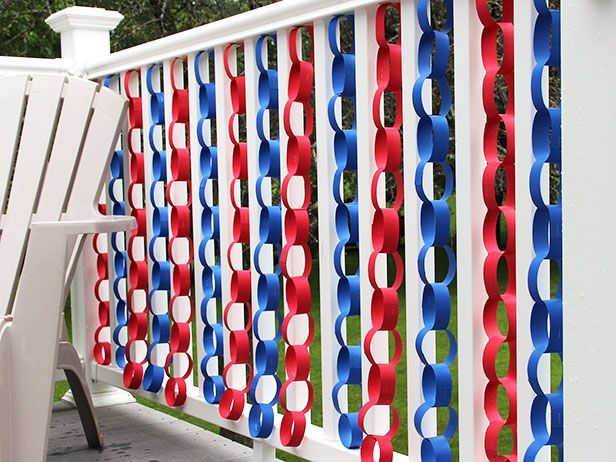 Quick and Easy Fourth of July Decorating • Tutorials and ideas, including this patriotic paper chain by DIY Network!