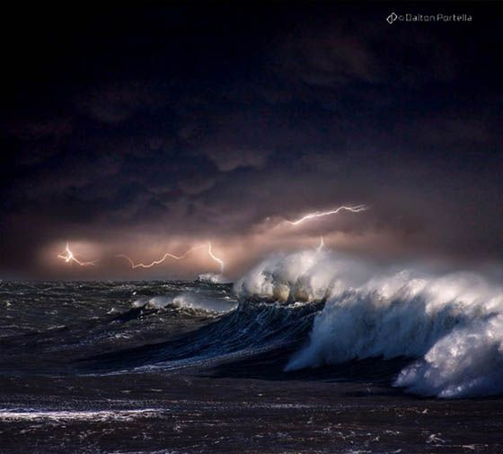 Magnificent Photos of Ocean Storm by Dalton Portella – DesignSwan.com