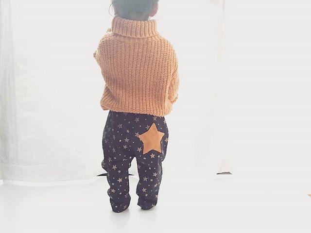 本日21時新作アップします✳ 星柄に星のポケットのジョガーパンツです✨ #minne#creema #handmade #hamnico#HAMNICODE #mamari#baby#kids#babycode#instakids#kids_japan# #kidscode #ハンドメイド#ベビーキッズ #ベビー#キッズ#ベビーコーデ#キッズコーデ#newarrival #新作#星#star#星柄