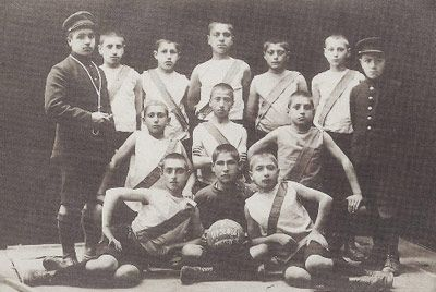 "The Armenian Youth ""Tsitsernak"" football team, Istanbul, 1910s"