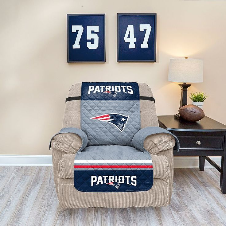 New England Patriots Quilted Recliner Chair Cover Multicolor