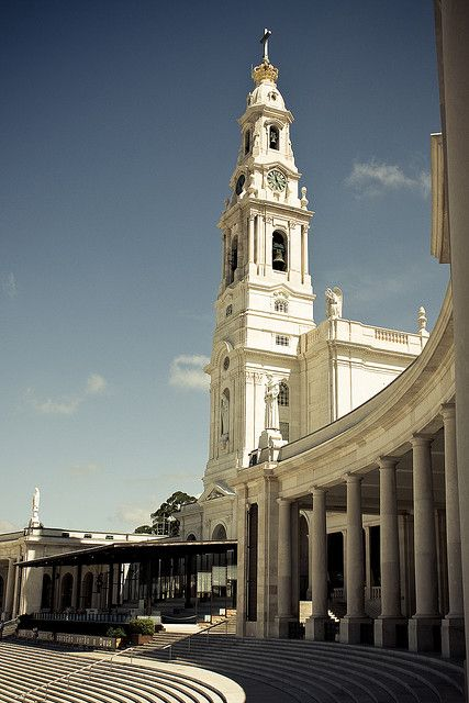 #Fátima Sanctuary recieves 9.000.000 pilgrims each year, by Paulo_Freire, #Portugal