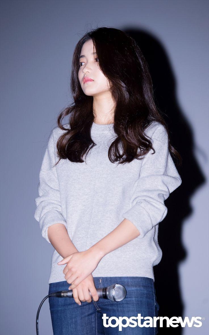 [HD포토] 김태리 맨투맨에 청바지 깜찍한 가을패션 #topstarnews