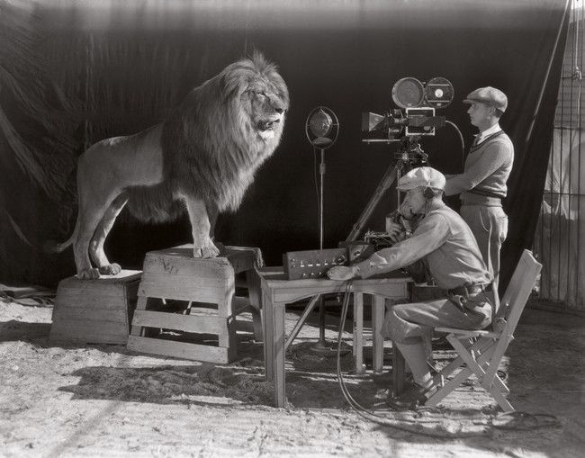 Filming of the MGM opening credits (1928).