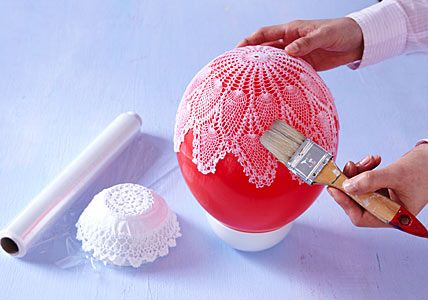 lace bowls! love this.: Lace Bowls So, Crafts Ideas, Diy Crafts, Lace Doilies, Easy Crafts, Vintage Doilies, Bowls So Easy, Balloon, Doilies Bowls