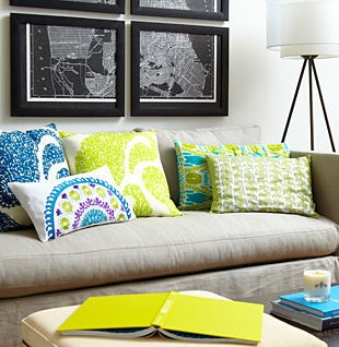 pillow colorsDecor Ideas, Living Rooms, Living Room Colors, Beautiful Colors, Decorating Ideas, Room Redecorating, Room Ideas, Bold Colors Pillows, Bright Colors