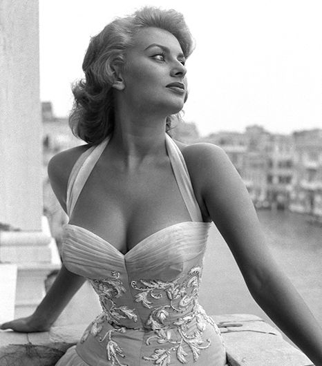 """Everything you see, I owe to spaghetti."" - Sophia Loren #WomenWhoInspire"