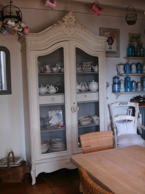 Armoire rocaille patin e ficelle meubles patin s au for Patiner une armoire