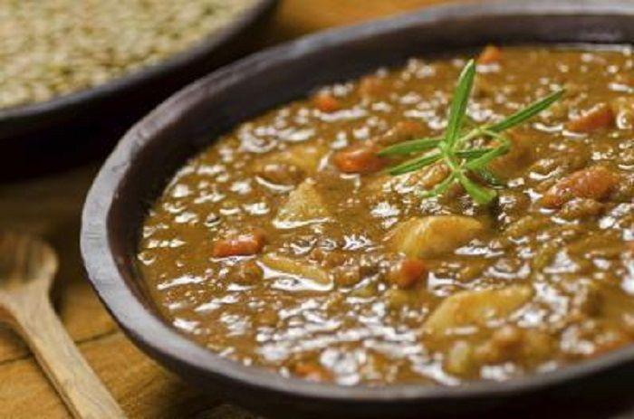 La zuppa di avena e lenticchie è una ricetta ricca di alimenti nutritivi: con questo piatto a tavola il benessere è assicurato! Infatti, l'avena è un mix di grassi (quelli buoni) e carboidrati, mentre le lenticchie sono delle fonti proteiche e ricche di ferro. Ricordate che, un po' di tempo fa, vi abbiamo indicato 4 …