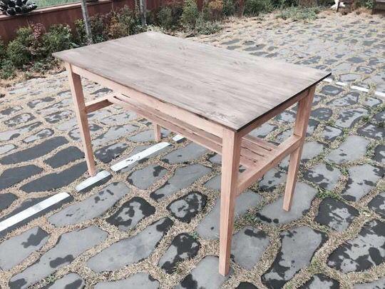 tall table(톨 테이블)