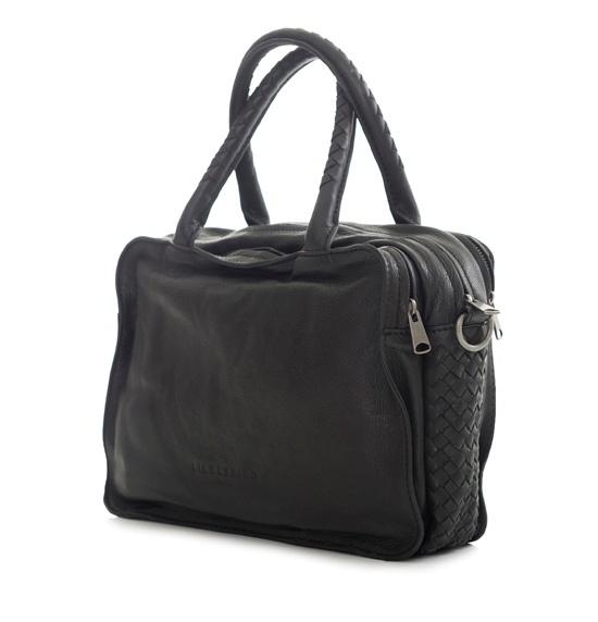 Tasker fra Liebeskind til kvinder, der elsker funktionalitet, rummelighed og vintage look! http://www.madamechic.dk/shop/tasker-1017s1.html