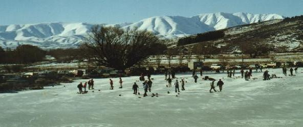 Curling, Central Otago. What a backdrop for a great game... http://www.centralotagonz.com/curling