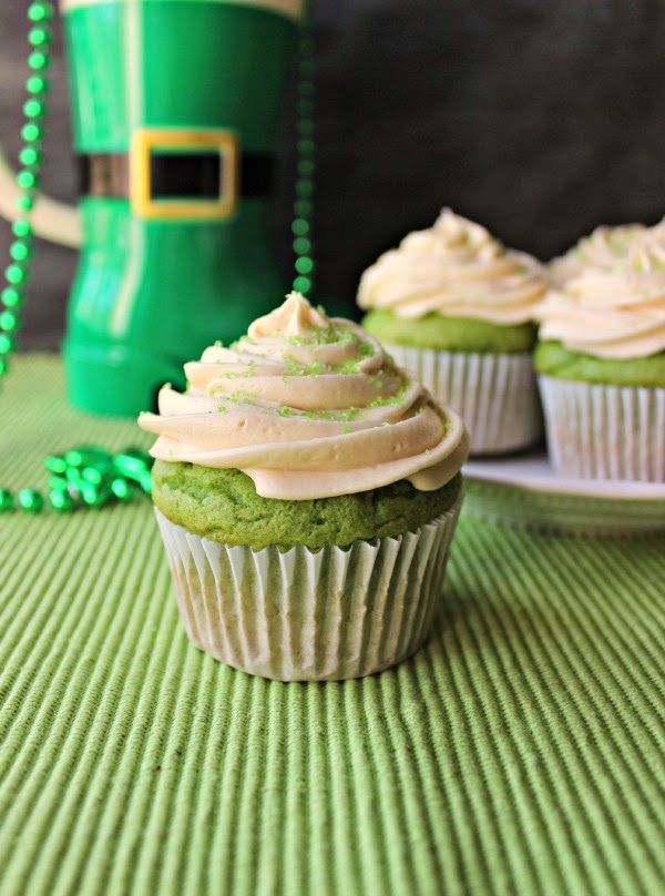 Renee's Kitchen Adventures:  Spinach Cupcakes with Irish Cream Frosting.  Spinach gives these cupcakes a gorgeous green color without adding any flavor to the cake. Moist and delicious.  #green #spinach #cupcakes