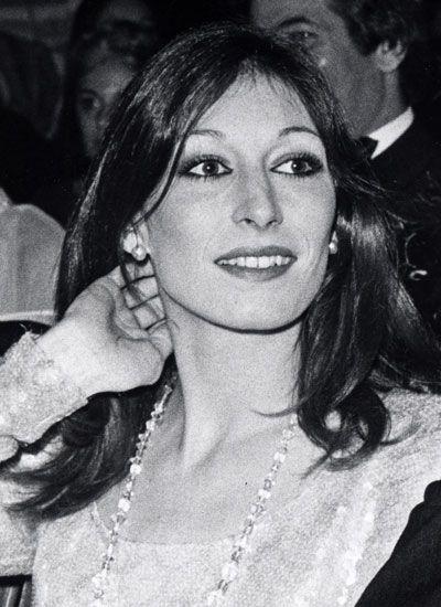 Anjelica Huston, 1975