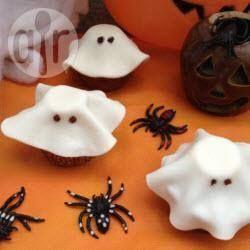 Cupcake fantasma para o Halloween @ allrecipes.com.br