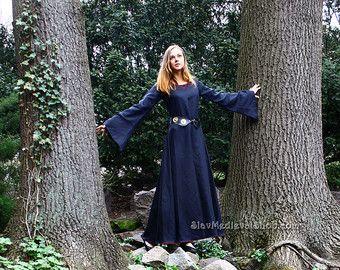 Fantasie jurk geïnspireerd door de Middeleeuwen, Goth stijl, middeleeuwse jurk gemaakt van 100% linnen