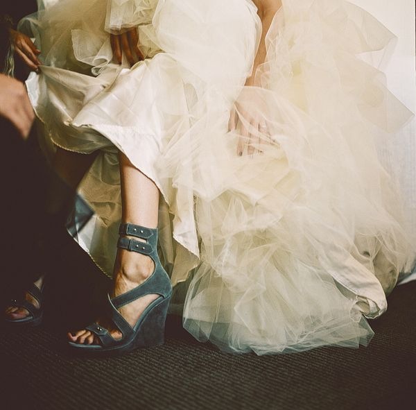 .Parties Photos, Brides, Black White, Things Shoes, Fashion Zone, Grey Shoes, Shoes Obsession, Velvet Teal, Combat Boots