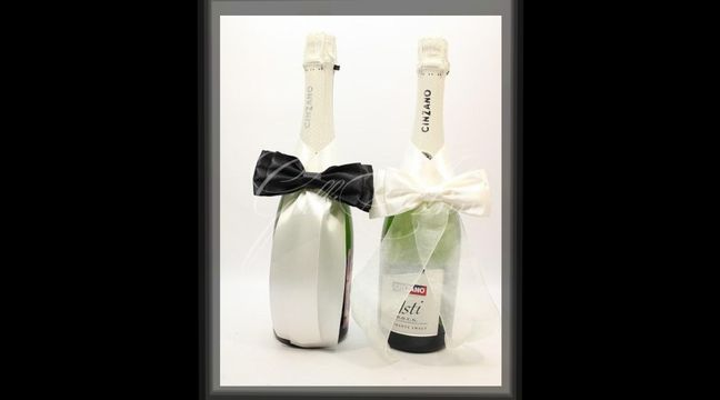 Комплект украшений на свадебное шампанское Gilliann GLS158 http://www.wedstyle.su/katalog/anniversaries/svadebnye-bokaly/ukrashenija-na/ukrashenie-na-svadebnoe-shampanskoe-gilliann-7113