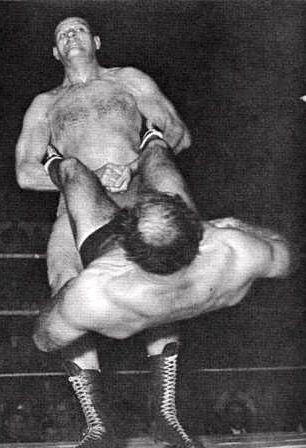 Lou Thesz vs Killer Kowalski | Wrestling | Pinterest ...