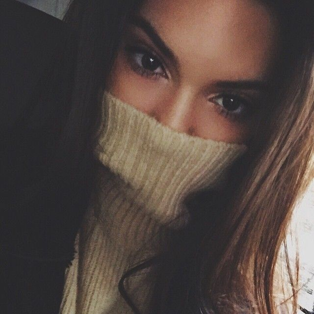 Kendall Jenner Takes a Turtleneck Selfie