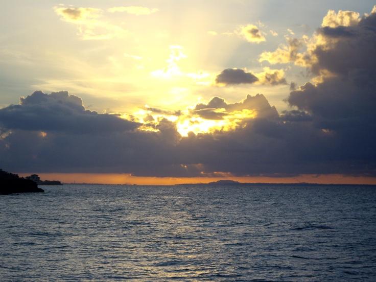Cruceros y petróleo en el horizonte de Cayo Coco