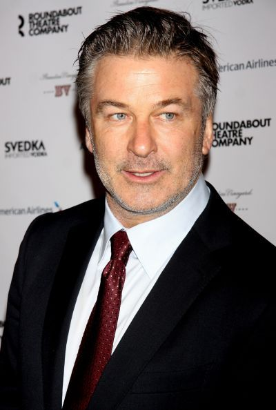 Alec Baldwin apologizes for insane Twitter rant.