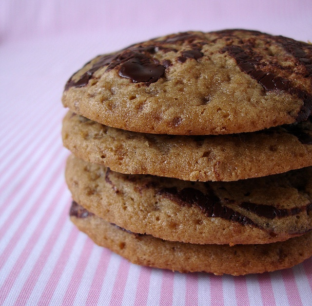 Butterscotch marble blondie drops / Cookies marmorizados by Patricia Scarpin, via Flickr