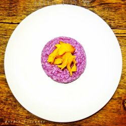 PURPLE RISOTTO (with purple cabbage and pumpkin)Ingredients (for 2 people)- 350g (apporximately) vegetable broth (without glutamate)- 150g purple cabbage- 160 g carnaroli rice- ½ onion- extra virgin olive oil to taste- 4 nuts- 1 piece of pumpkin for decoration- rosemary to taste- salt to tasteBehind the scenesWe'll begin with the pumpkin chips preparation as they have to stay in the oven for at least 15 minutes. Peel the pumpkin, remove the seeds and cut it as thin as possible (a few ...