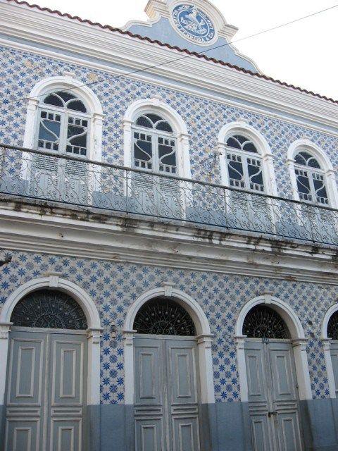 Belém do Pará | Casa perto do porto / House near the port / fachada com azulejos do século XIX / tiled façade from 19th century #Azulejo #TiledFaçade #Padrão #Pattern #Brasil #Brazil