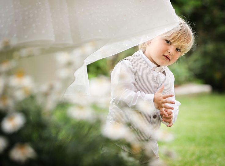 Fotografia matrimonio prato primaverile http://www.nozzemeravigliose.it/matrimonio/fotografo/caserta/pasquale-zeno-fotografo/387
