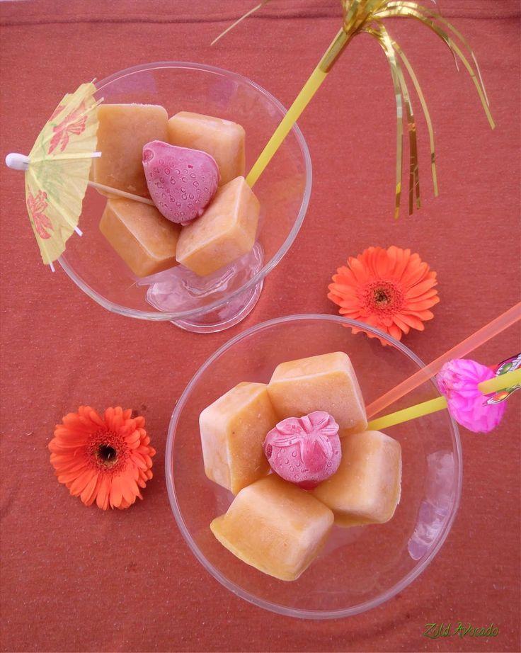 házi készítésű gyümölcs smoothie jégkrém (gluténmentes, laktózmentes, tojásmentes, vegán, nyers) / Recept / eper, banán, mangó, mandula tej, víz