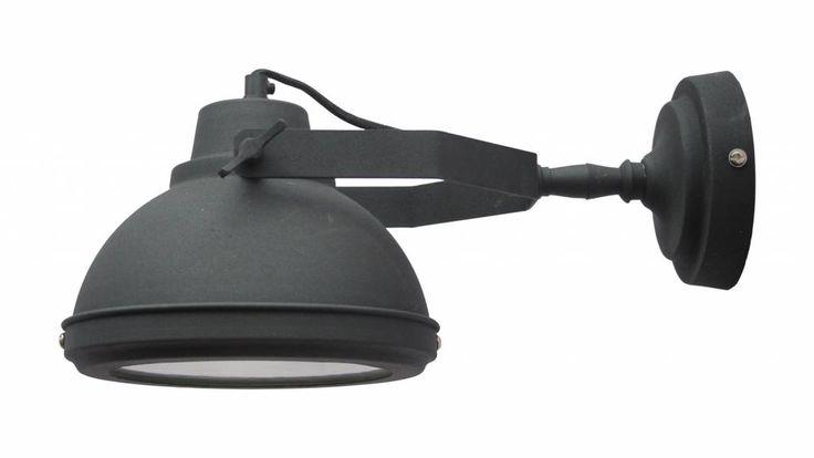 Oppepper nodig in je huis? Ga dan voor deze stoere fabriek wandlamp in de kleur zwart #wandlamp #industrieel