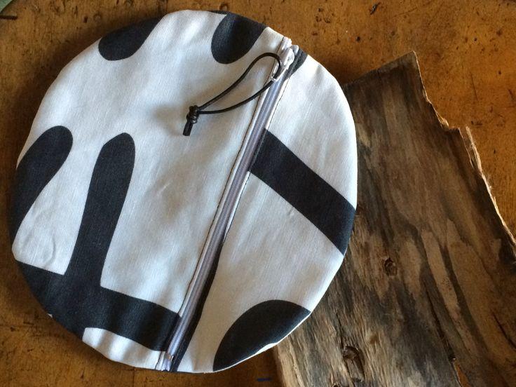AniZet zipper pouches. Cotton-linen and designer's fabric!